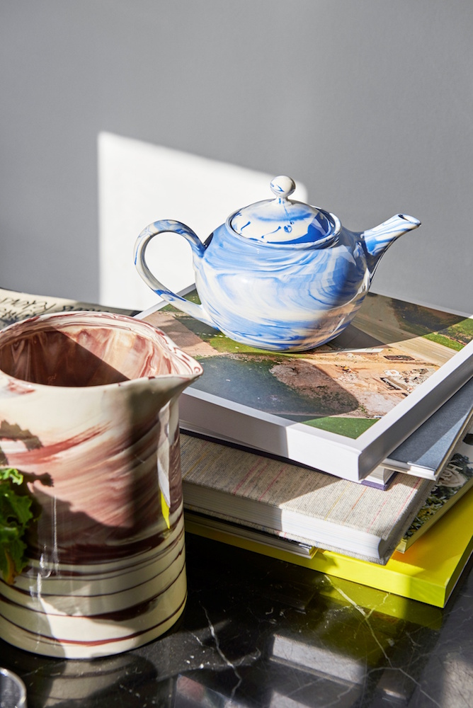 Marbled-Jug-brown_Marbled-Teapot-blue