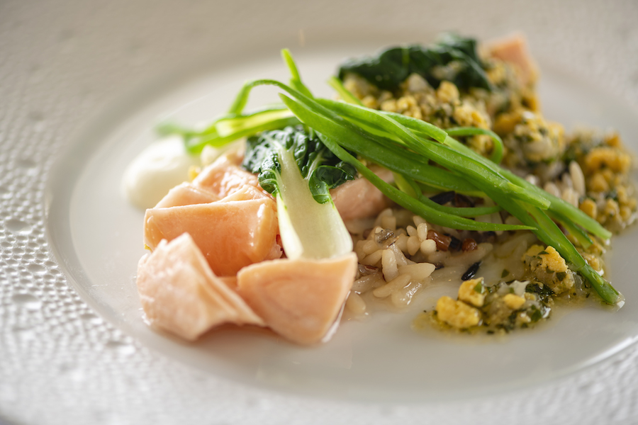 Le Normandie_Chef Alain Roux_Fillet of salmon poached (1)