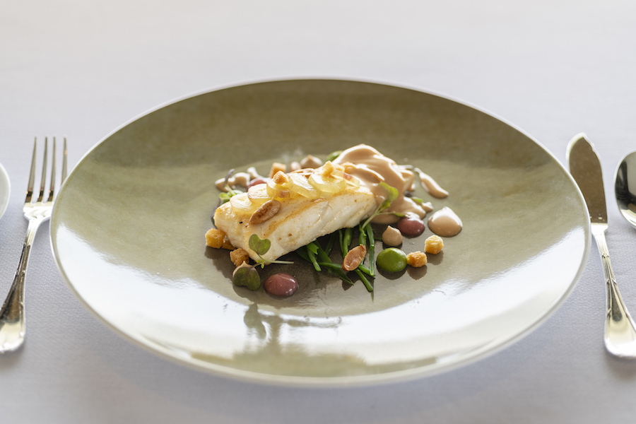Le Normandie_Chef Alain Roux_Fillet of turbot (1)