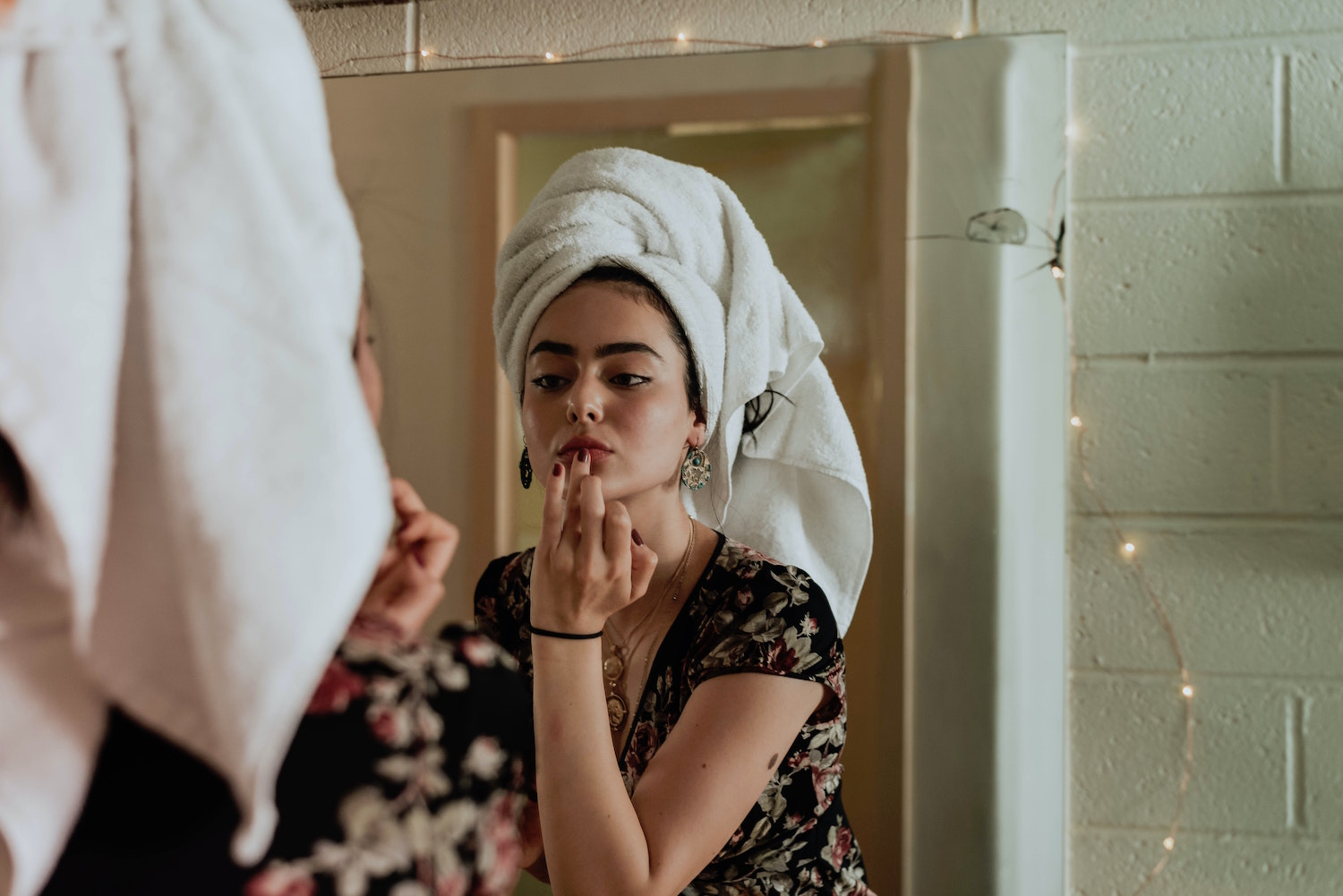 5 Essential Steps to Keep your Beauty Routine on Track During Quarantine