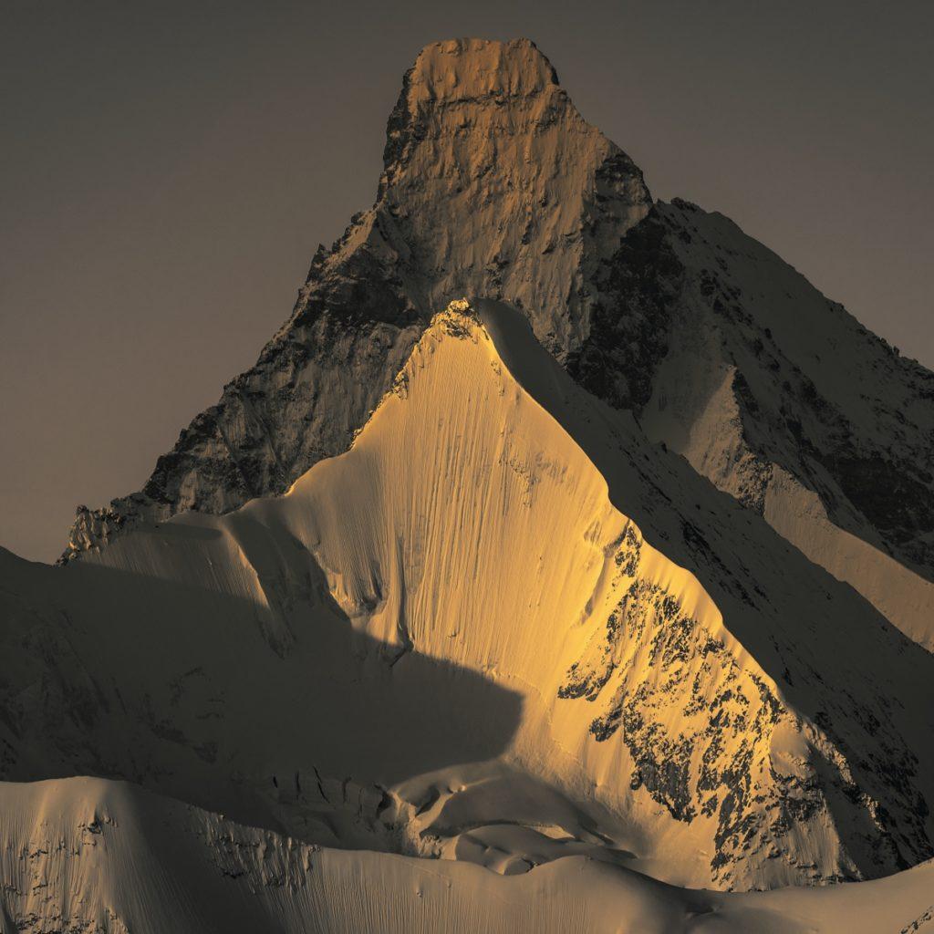 La Prairie Swiss Alps