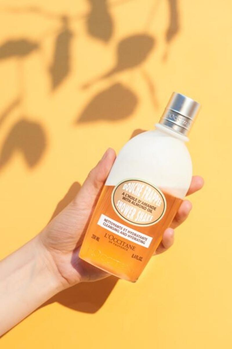 L'Occitane: Almond Shower Shake
