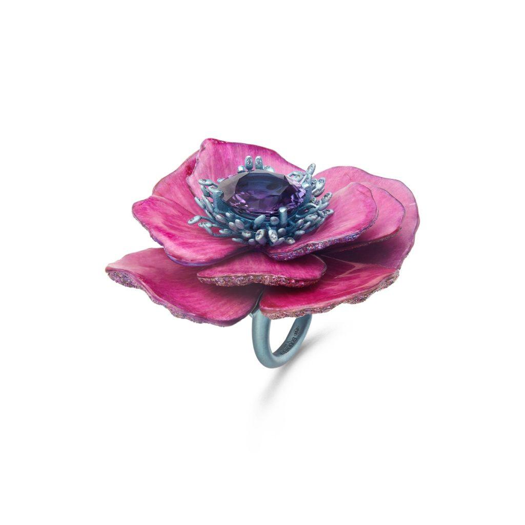 Anniversary gifting: Boucheron's Nature Triomphante ring