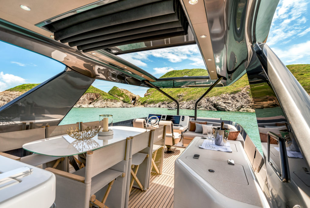 Prestige Yachts X70 Flagship Flybridge