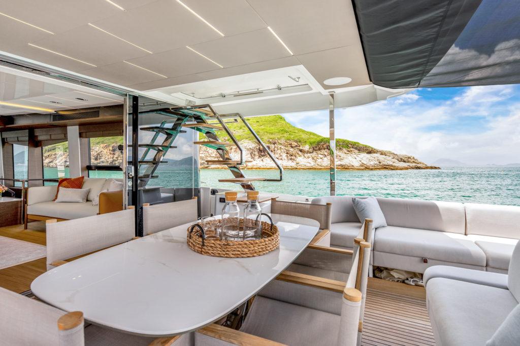 Prestige Yachts X70 Flagship Cockpit