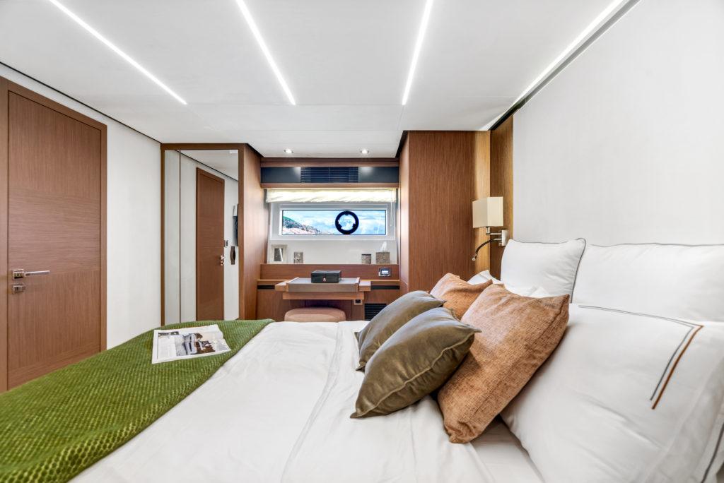 Prestige Yachts X70 Flagship VIP Stateroom