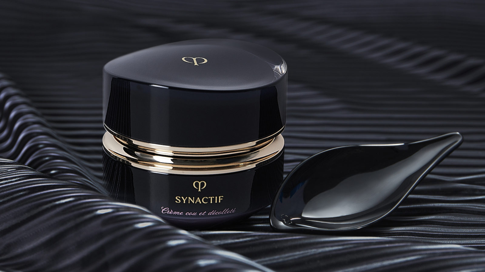 SYNACTIF Neck & Décolleté Cream: Firming and Radiance-Boosting