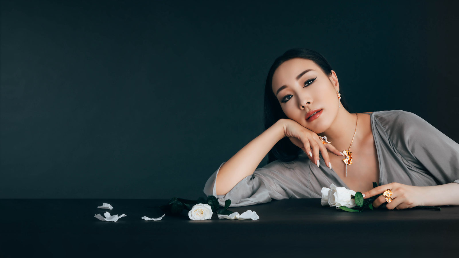 """Jewellery Connoisseur Feiping Chang Walks Us Through """"masterpiece by king fook"""""""