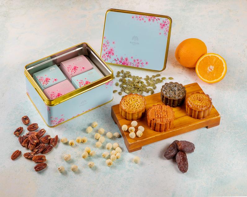 Celebrate The Mid-autumn Festival With Raffles Jakarta Mooncakes