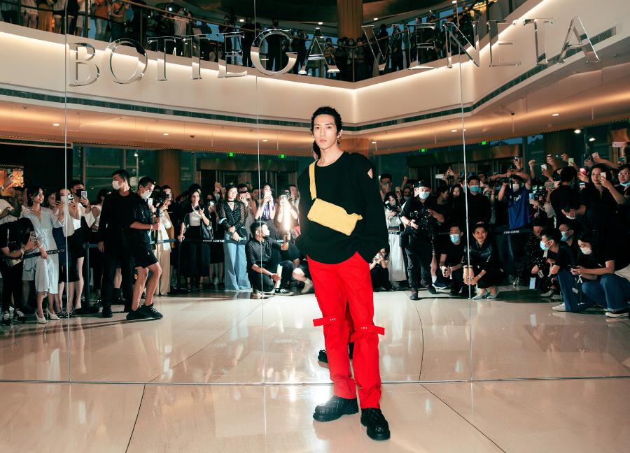 Actor Jing Boran in Bottega Veneta PF20 Collection