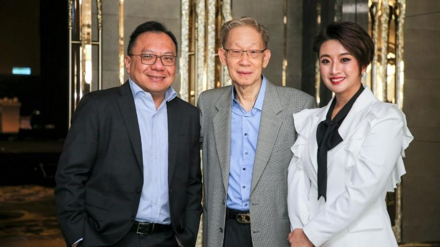 From left to right: William Soong, Patrick Yeoh and Sandy Tan (Photo: Optimax)