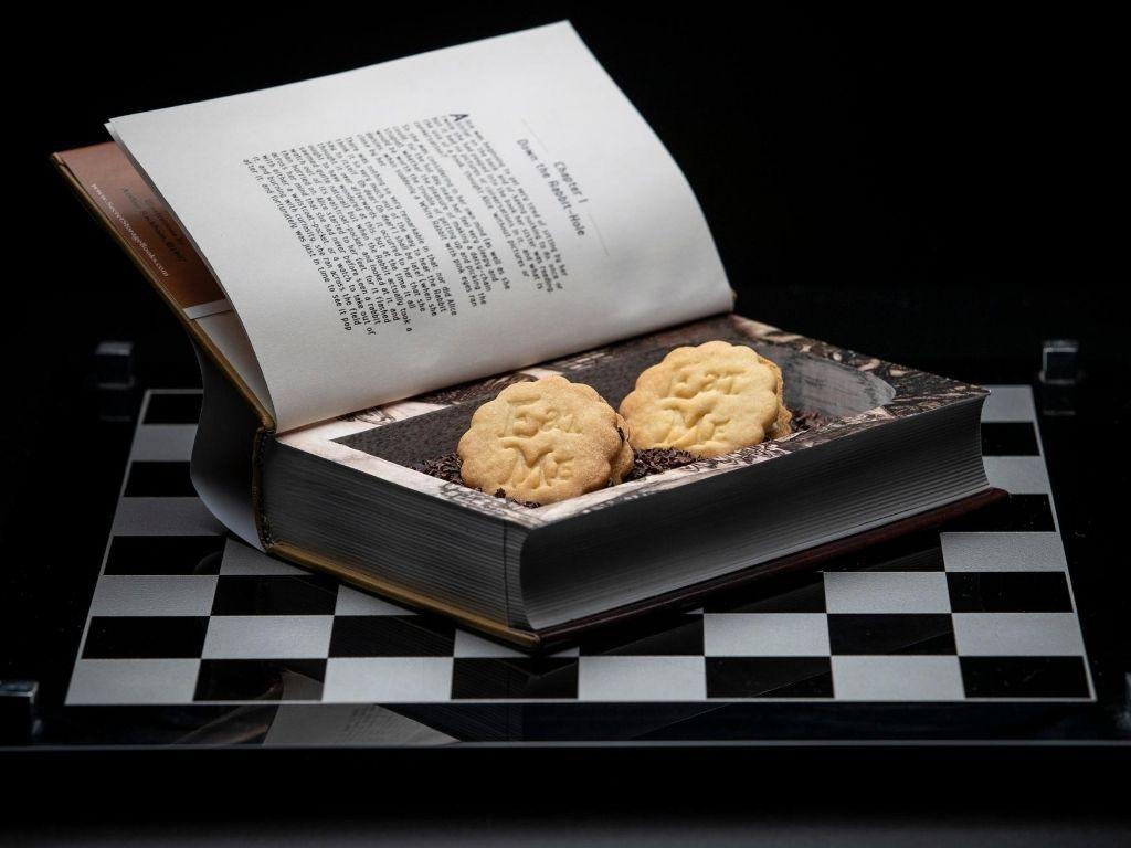 'Eat Me' Cookies