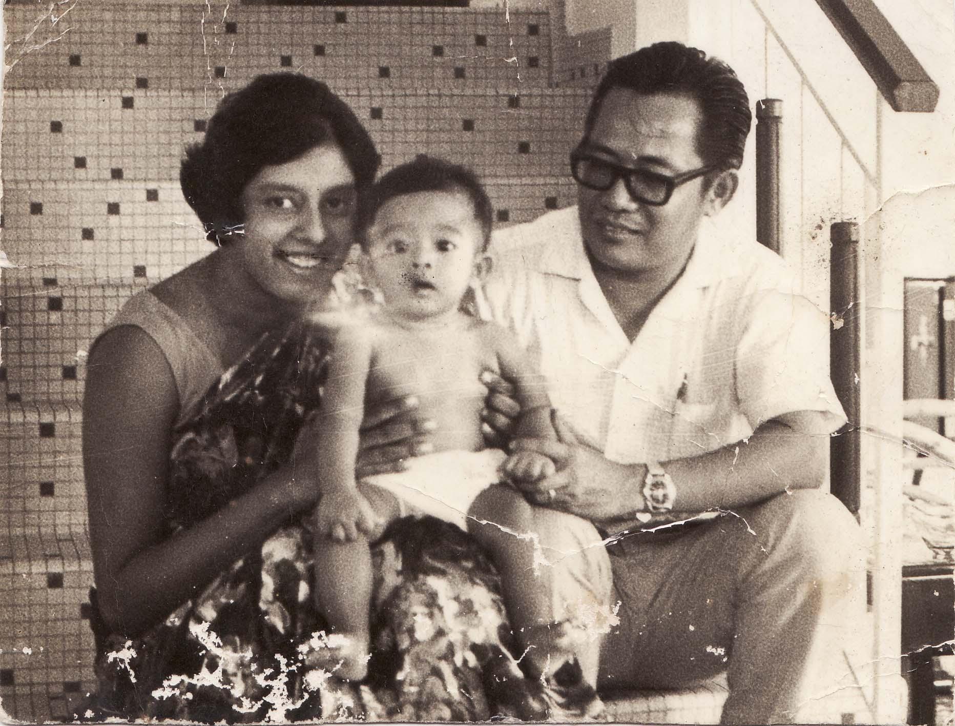 Khoo with wife Rathi and son Eddin Khoo