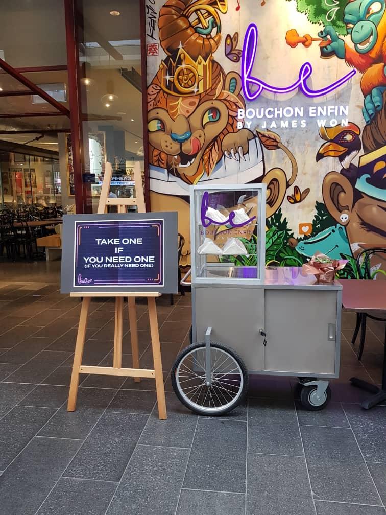 Bouchon Enfin sandwich cart