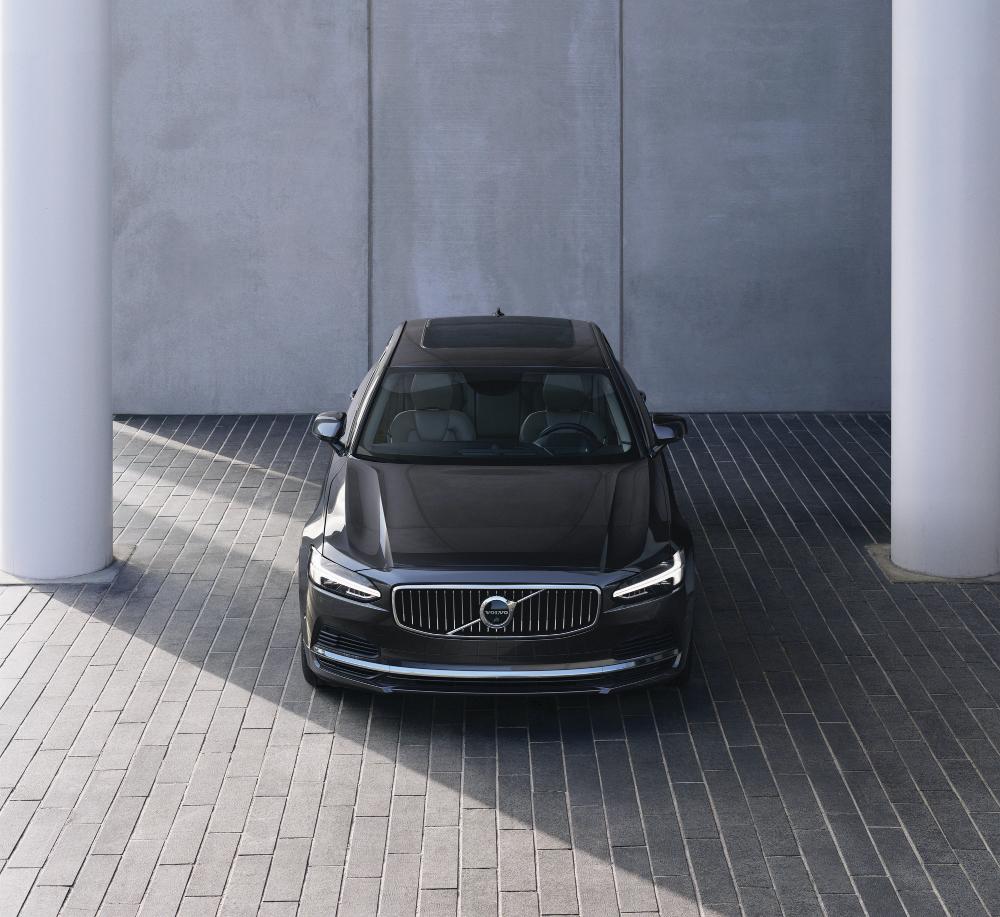 Volvo S90 Recharge T8 sedan