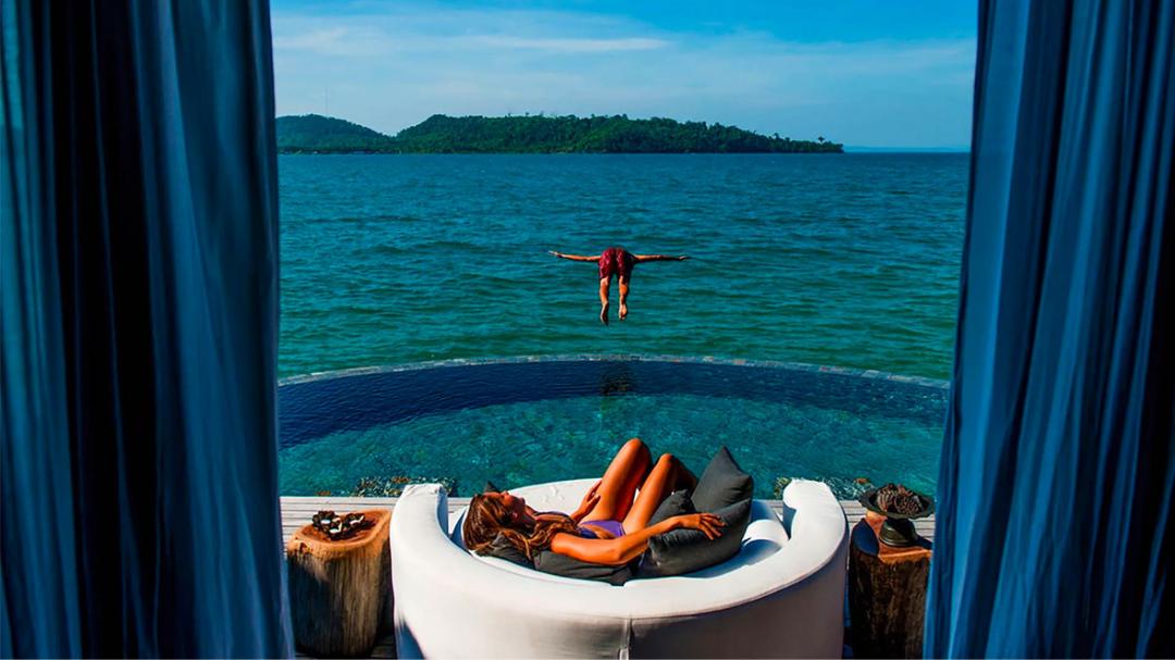 7 breathtakingly beautiful overwater villas around the world