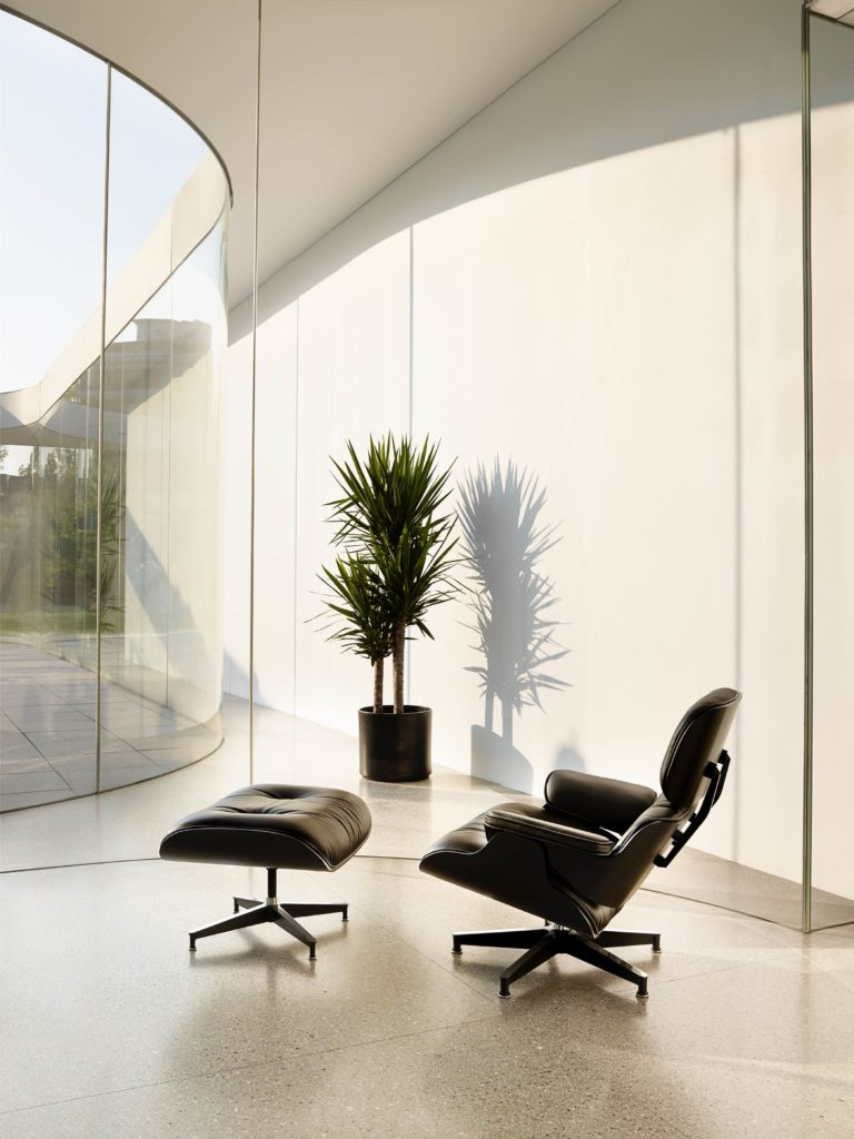 designer chairs eames