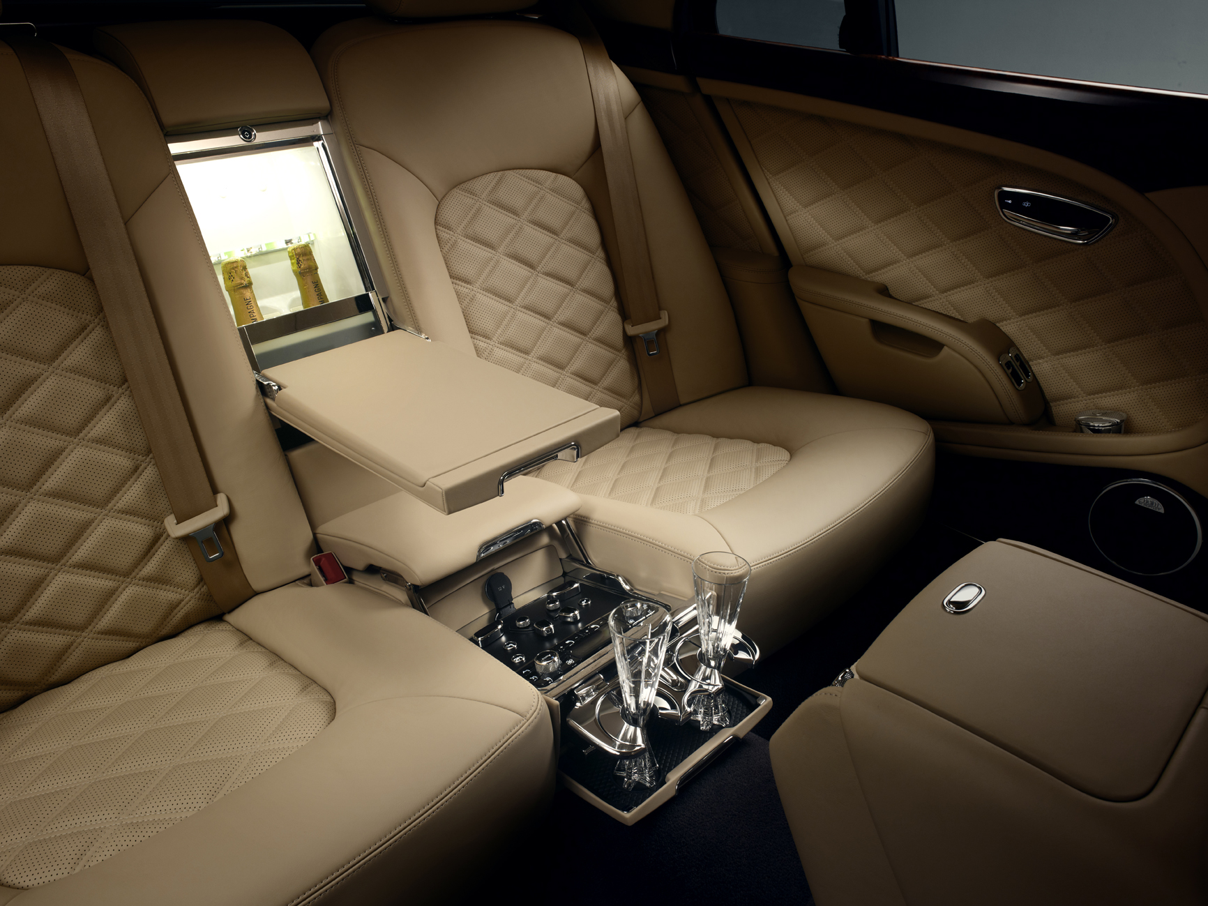 Inside the 2013 Bentley Mulsanne Mulliner Driving Specification (Image: Bentley/Lifestyle Asia Singapore)