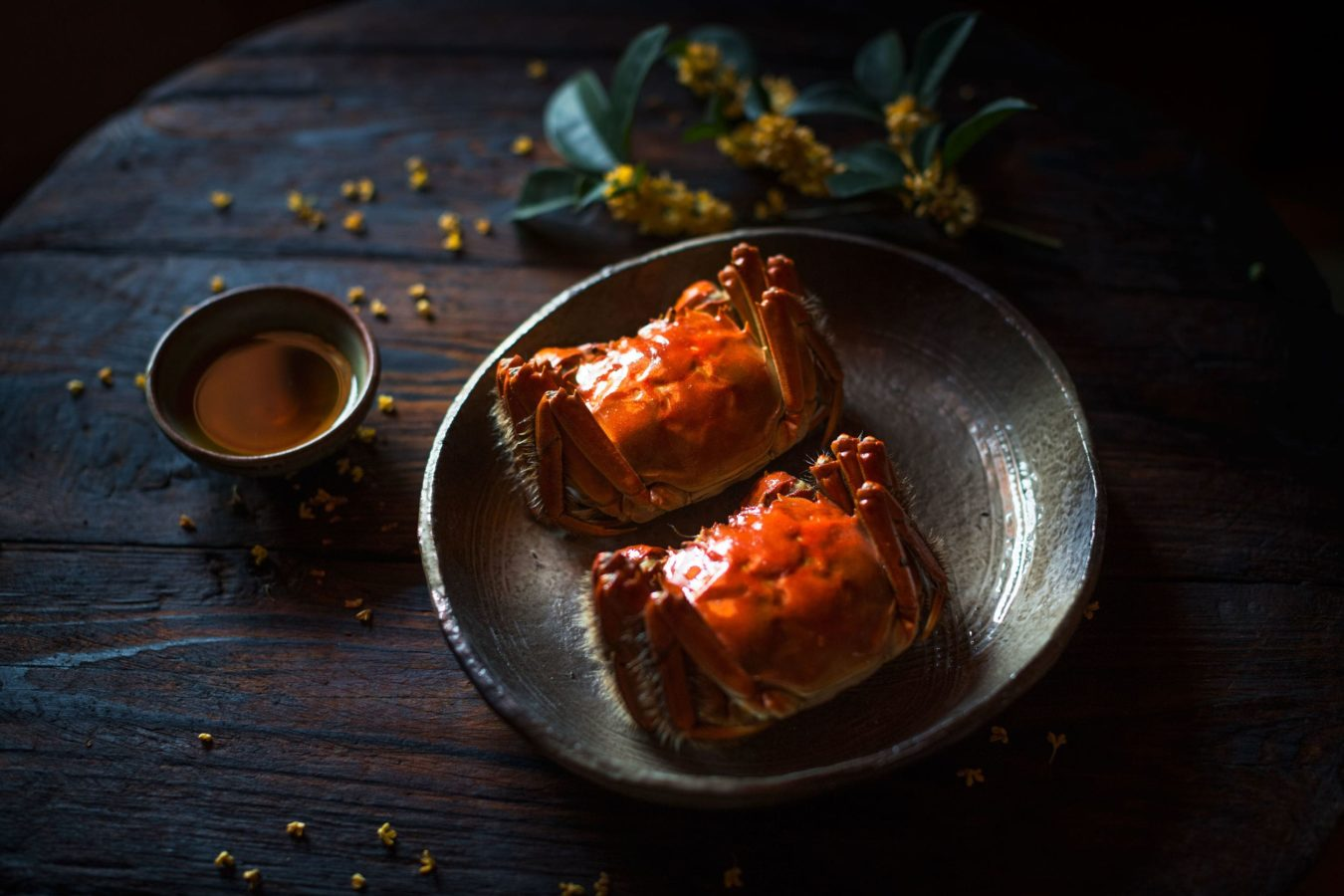 Where to go for the most decadent hairy crab menus in Singapore
