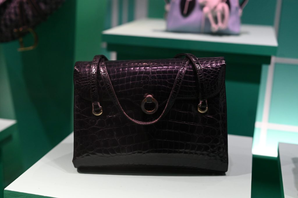 V&A handbags