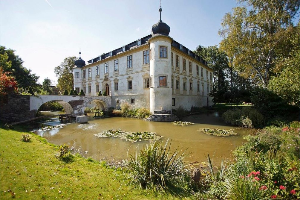 Luxurious European castles to rent