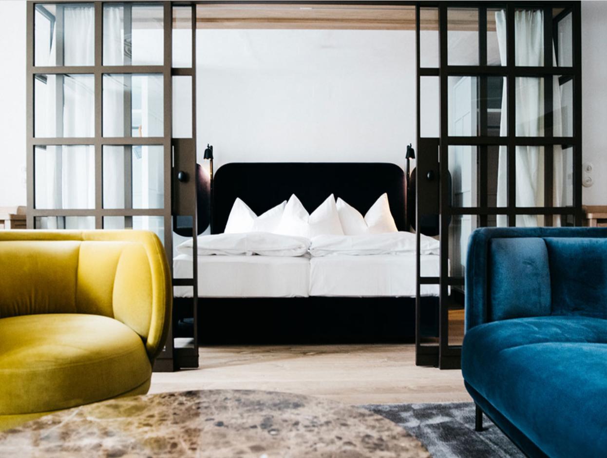 Blaue Gans oldest luxury hotel