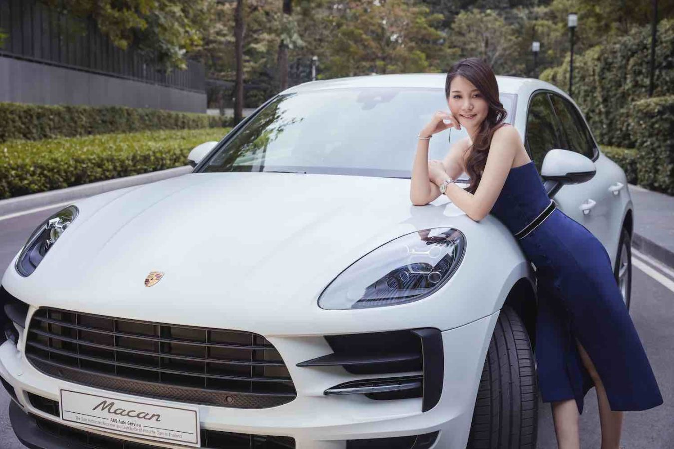 """'Choose Thrilling': 4 Reasons Jessica """"Paope"""" Wang Chooses the Porsche Macan"""