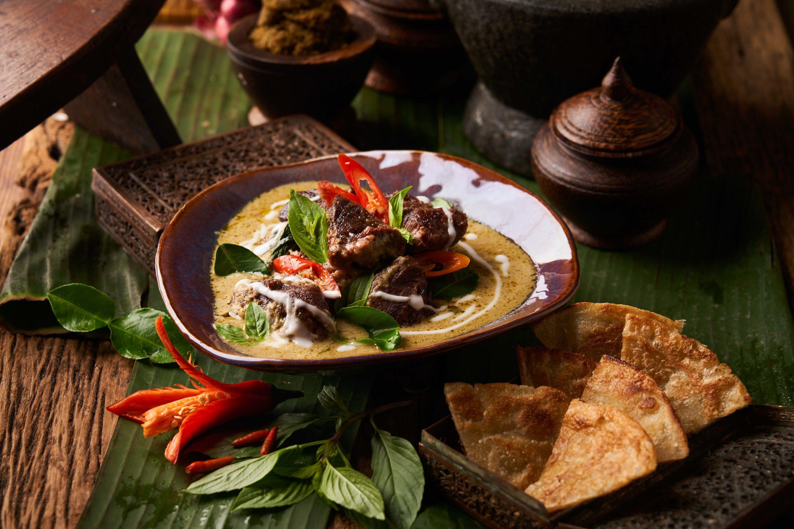 Anantara Siam, dining service, suite life