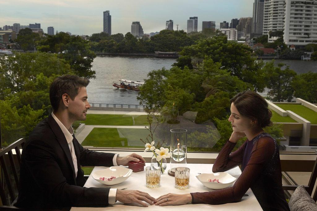 Cote - Romantic riverside setting