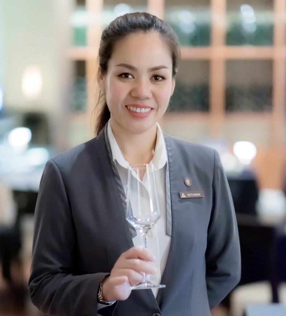 Nutawan Jumpanak Ananatara Siam Wine GURU