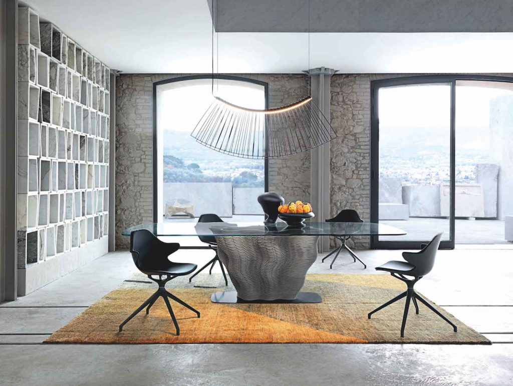 The Corail dining table by Roche Bobois