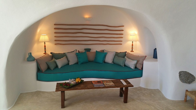 Iconic Santorini: A Boutique Cave Hotel