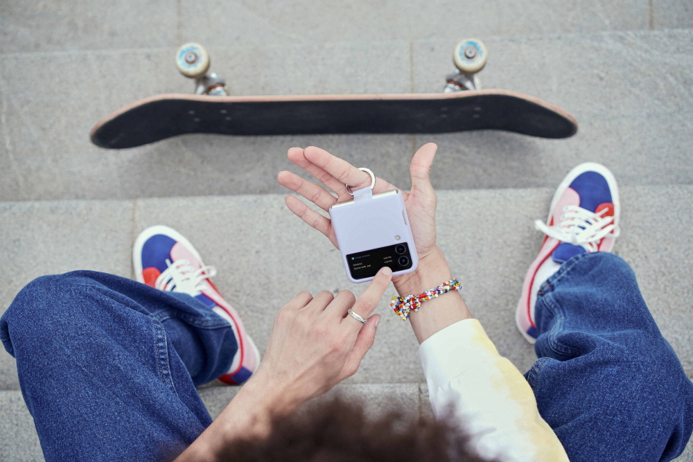 Galaxy Z Flip3 5G skater