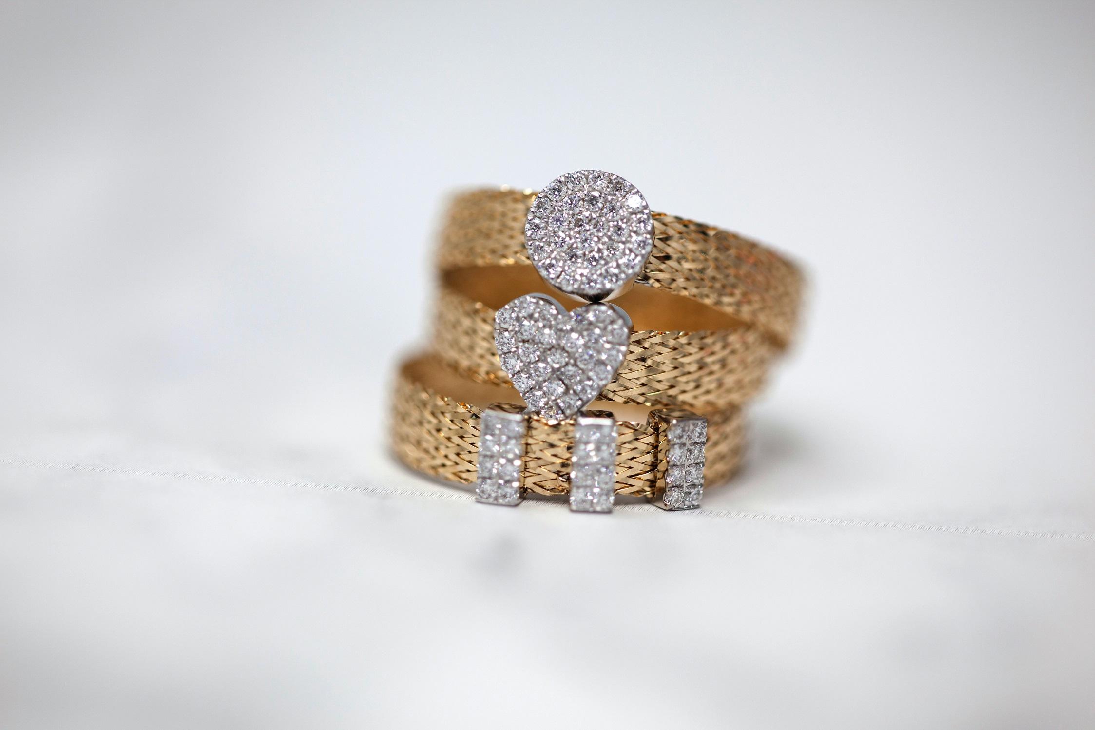 Choose the desired shape of diamonds