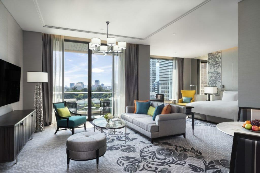 Sindhorn Kempinski suite room