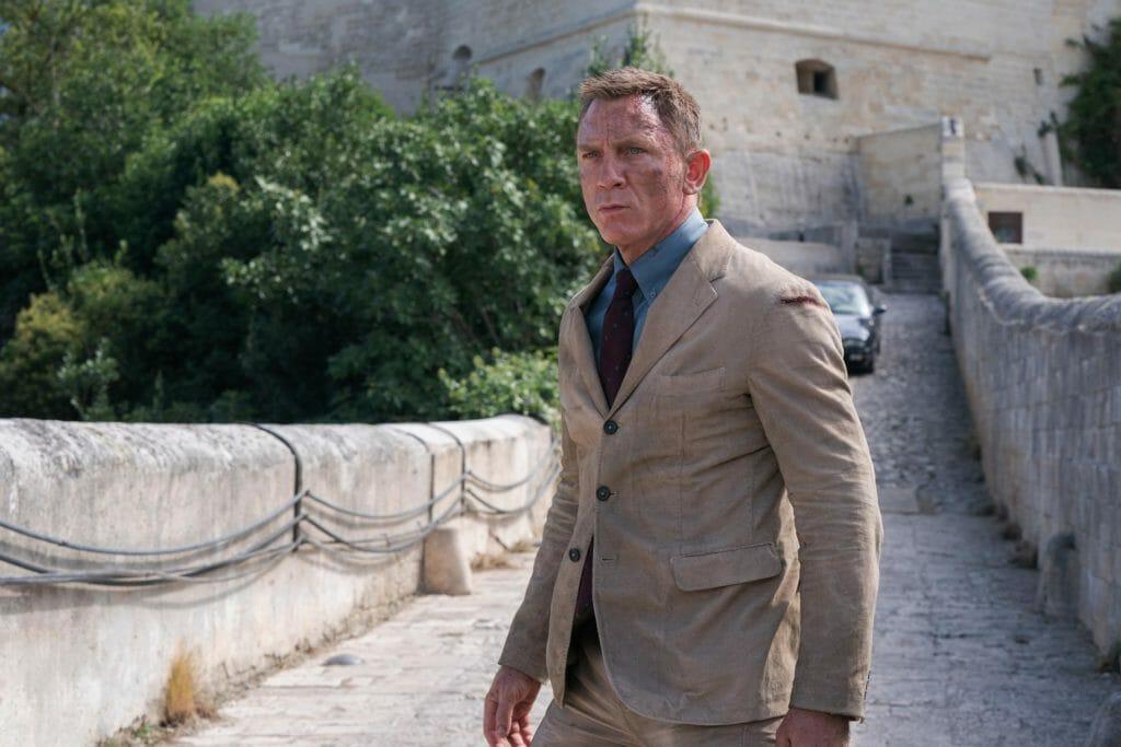 Massimo Alba corduroy suit, brands that Daniel Craig style