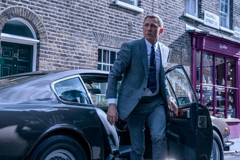 Daniel Craig as James Bond - Brands that Daniel Craig style