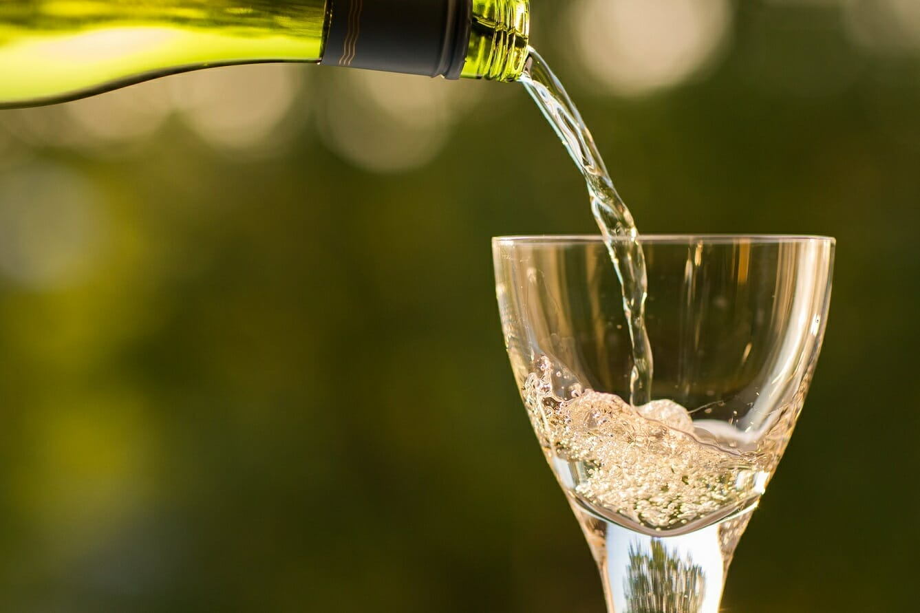 These are the Best Substitutes for White Wine in Cooking