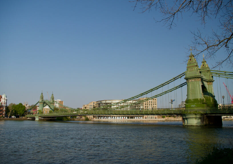 """filming locations of new james bond movie """"No Time To Die"""" - The regal Hammersmith Bridge in London"""